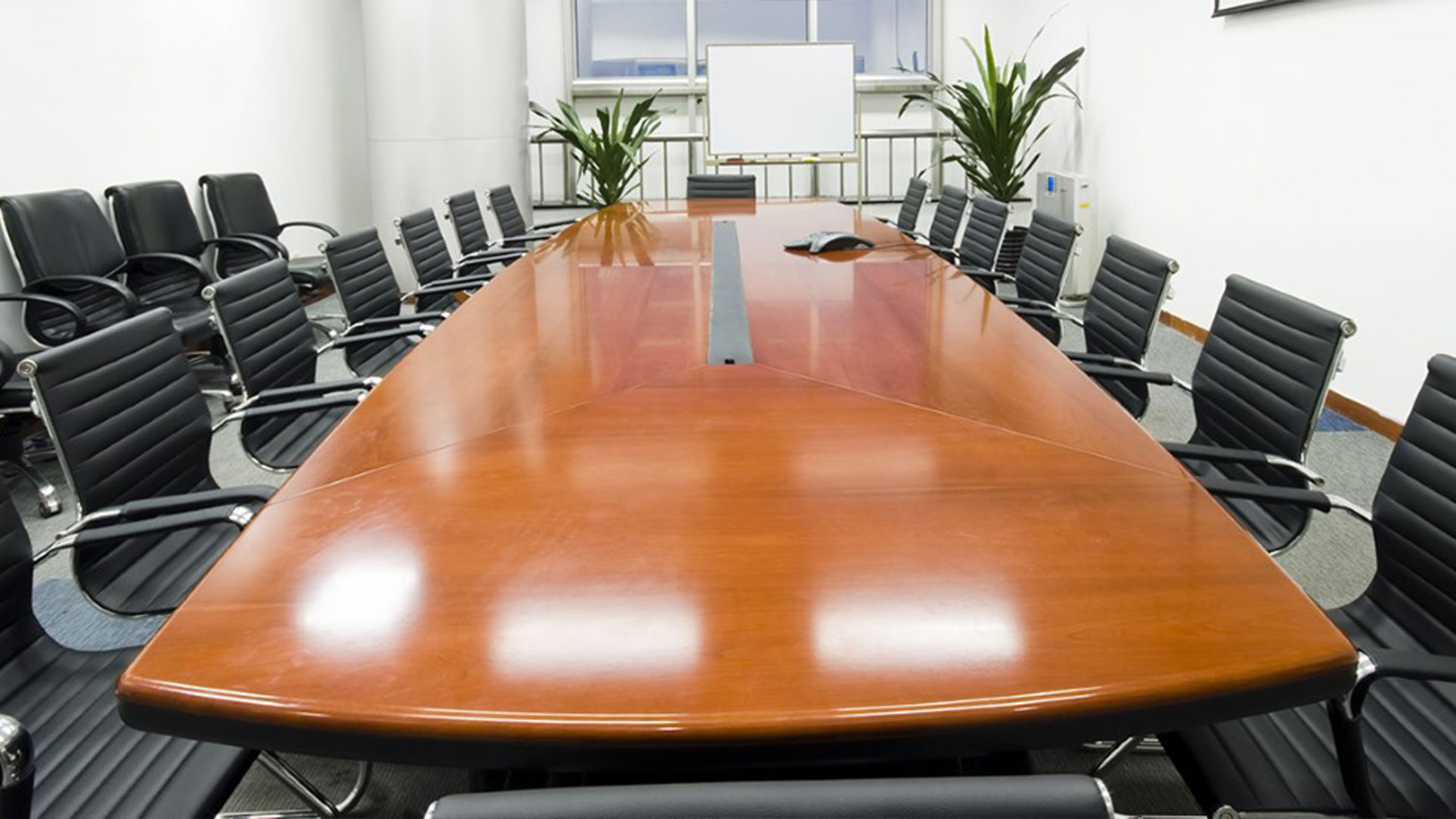 commercial cleaning kelowna penticton vernon kamloops boardroom